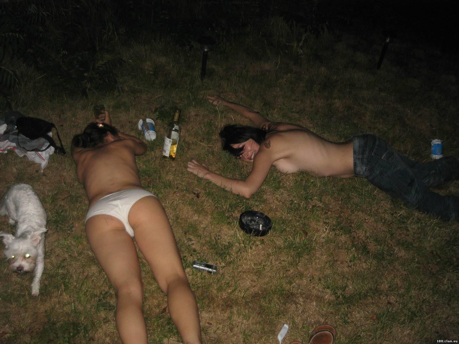 Пьяные голые фото 8 фотография